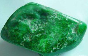 Камень нефрит свойства