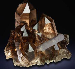 Камень раухтопаз свойства