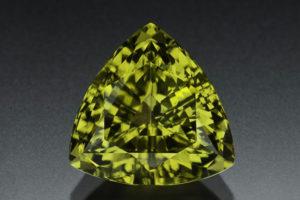 Камень хризолит свойства